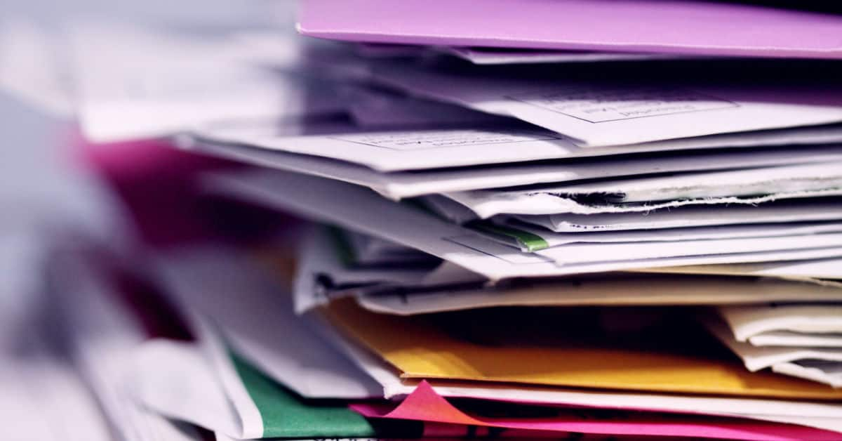 pile of unsorted mail
